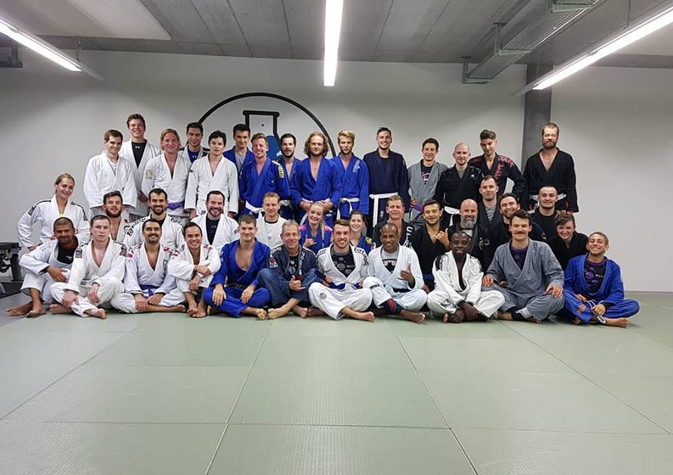 Philippe blue belt group picture